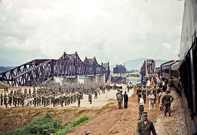 Han River Railroad Bridge Dedication Ceremony.jpg