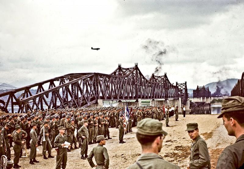 Han River Railroad Bridge Dedication Ceremony, Seoul.jpg